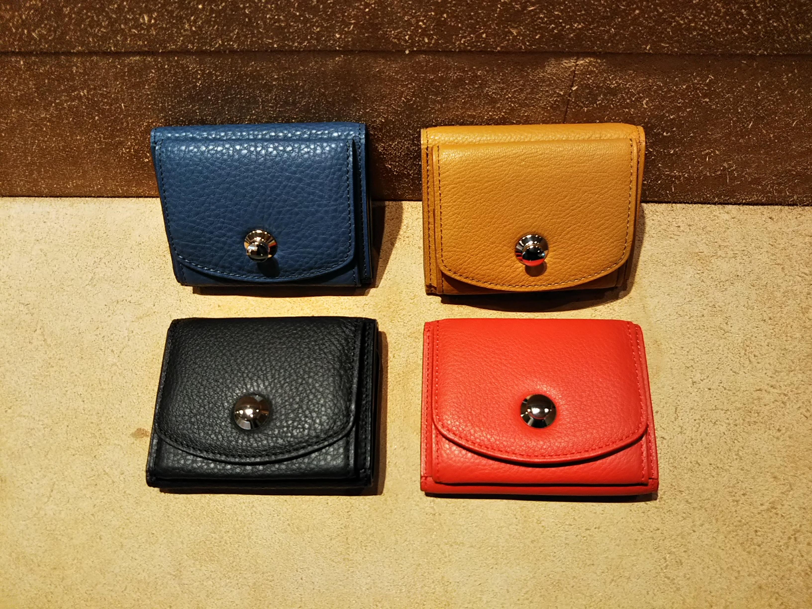 パグ 三つ折り財布(小さい財布)