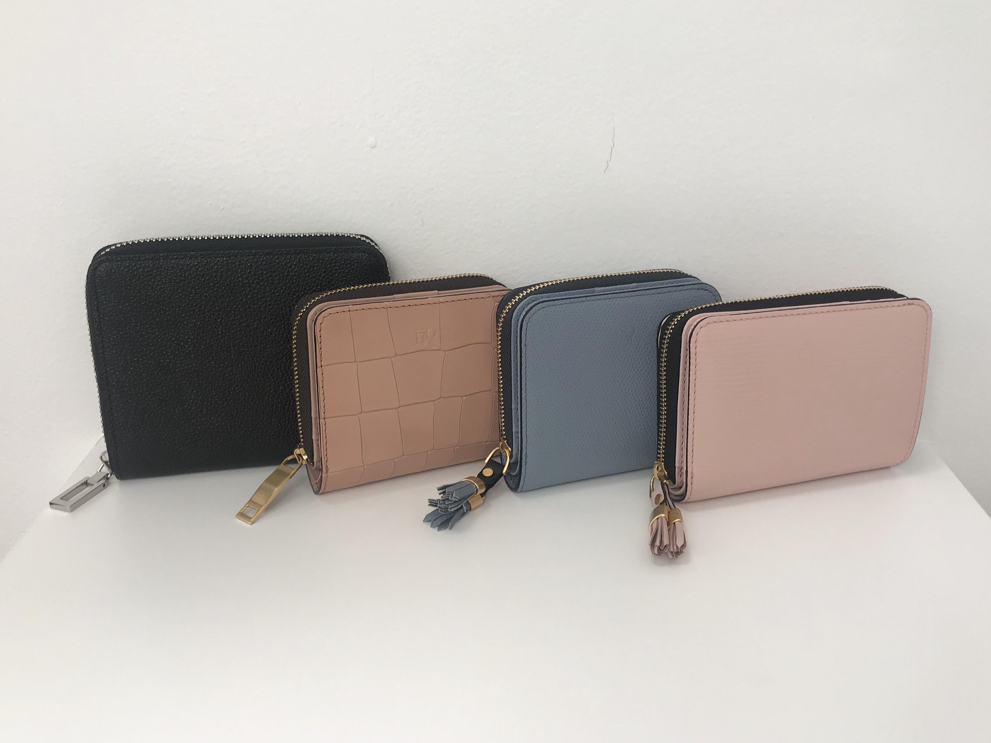 2つ折り財布4種