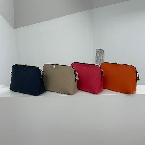 【zacca編】長財布も入れられる、小さめバッグ