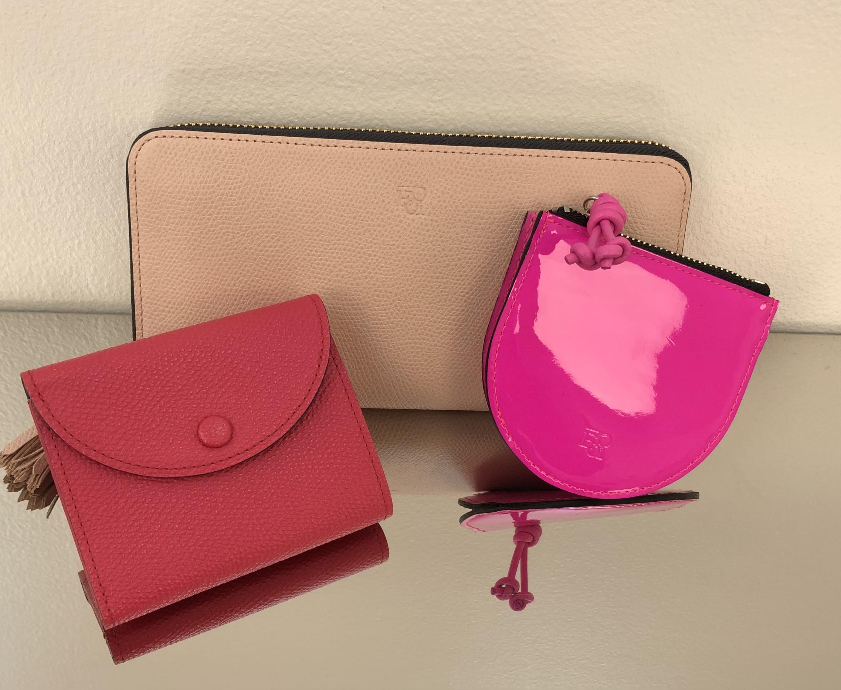 【Choose a color】ピンク色のお財布