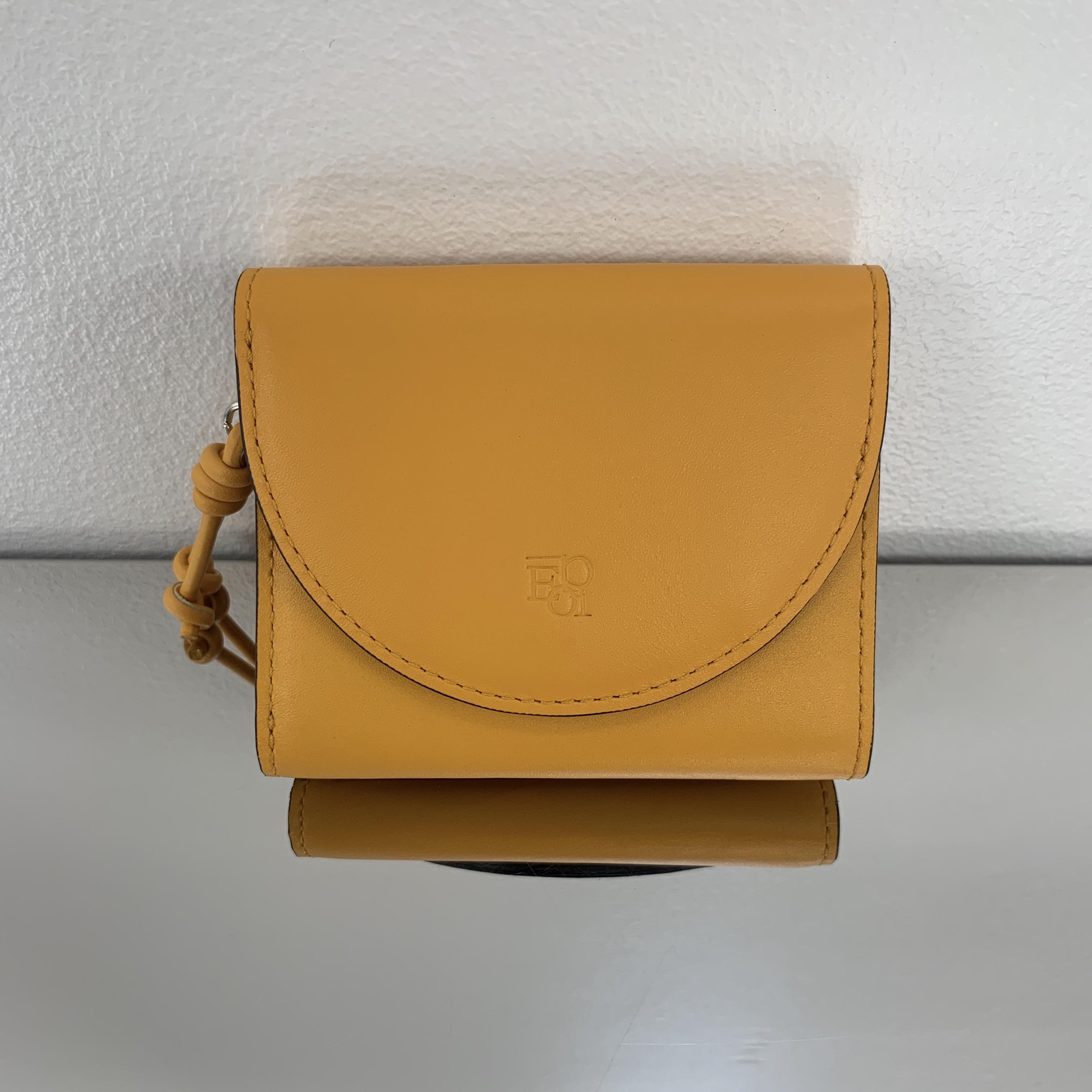 財布の色の持つ意味
