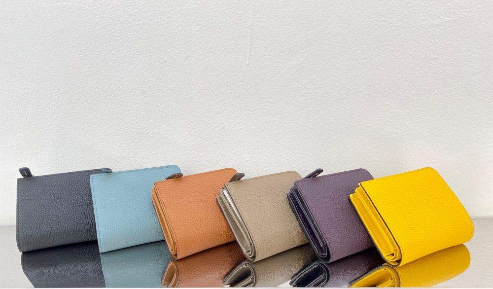 【新色入荷】リツシリーズの折り財布新色入荷しました♪
