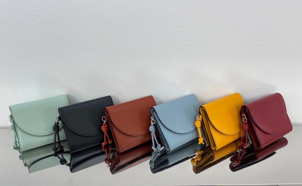 【ノット】コンパクトな三つ折り財布☆